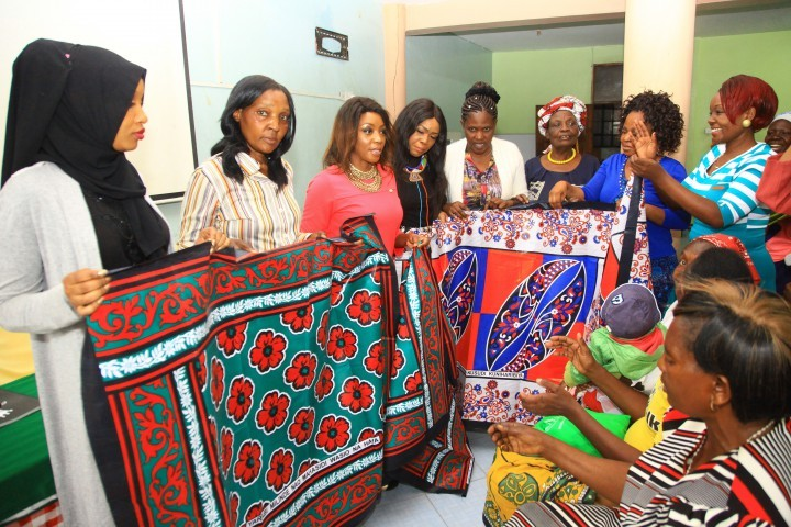 Wealth Creation coach Samke gifts widows